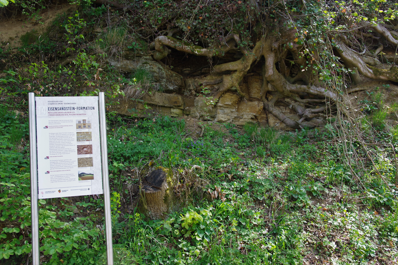 Geopfad Taf.14 Eisensandstein-Formation mit Geotop